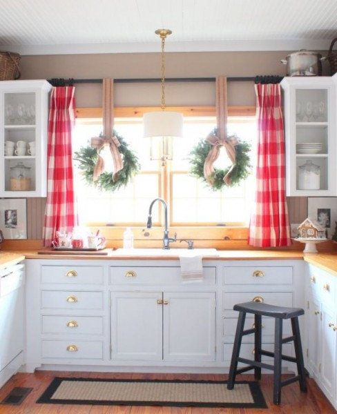 Kitchen Window Curtain Idea: Christmas Kitchen Windows