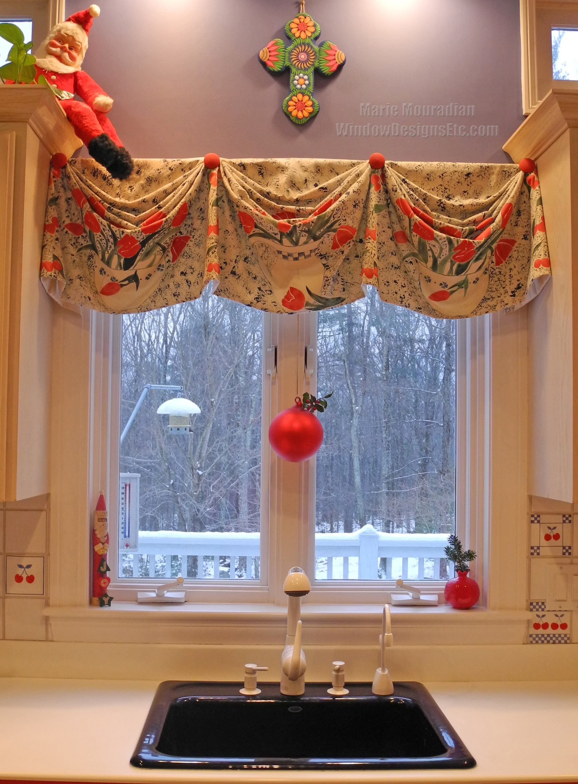Holiday Window Ideas - Christmas Kitchen Windows on decorating ideas for vaulted ceilings, decorating ideas for mirrors, decorating ideas for bedrooms, decorating ideas for living room, decorating ideas for doors, decorating ideas for dining room, decorating ideas for floors, country decorating with old windows, decorating ideas for decks, decorating above kitchen window ideas, decorating ideas for fireplaces,